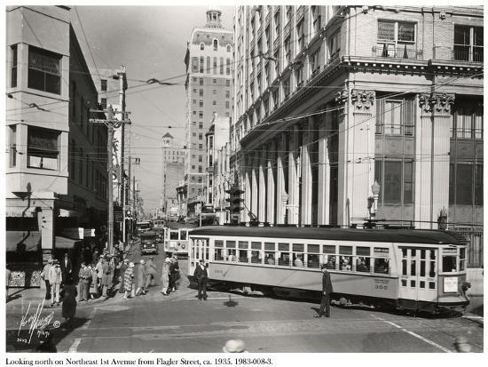 looking-north-on-northeast-1st-avenue-from-flagler-street-miami-c-1935