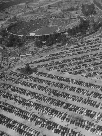 loomis-dean-aerial-view-of-rose-bowl-showing-thousands-of-cars-parked-around-it