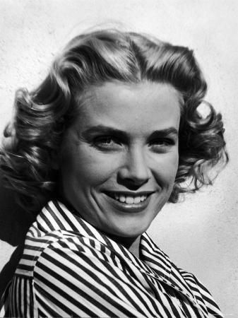 loomis-dean-excellent-close-up-portrait-of-movie-actress-grace-kelly