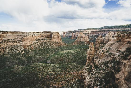 louis-arevalo-monument-valley-from-window-rock-colorado-national-monument