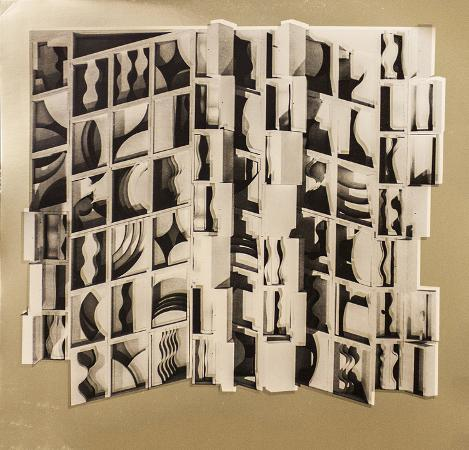 louise-nevelson-untitled-gold
