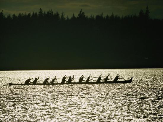 lowell-georgia-lummi-indians-paddle-a-large-canoe