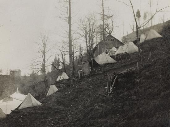 luigi-verdi-tents-to-shelter-the-wounded-in-pusno-during-the-first-world-war