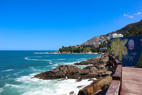 luizsouzarj-leblon-beach-and-favela-do-vidigal-view