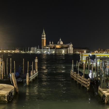 lulu-venezia-by-night