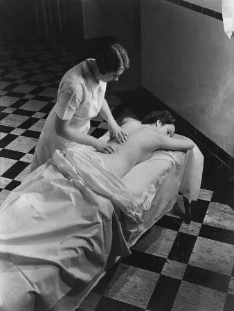 lusha-nelson-vogue-february-1936-massage-at-the-saratoga-spa