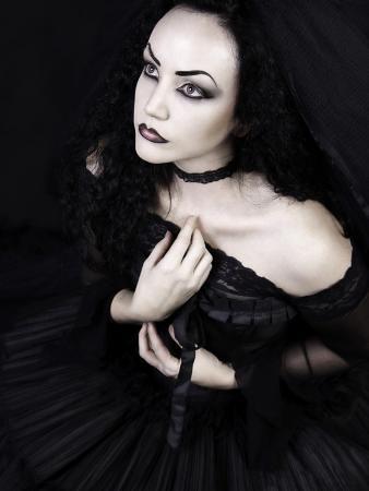 lynne-davies-black-gothic-dream