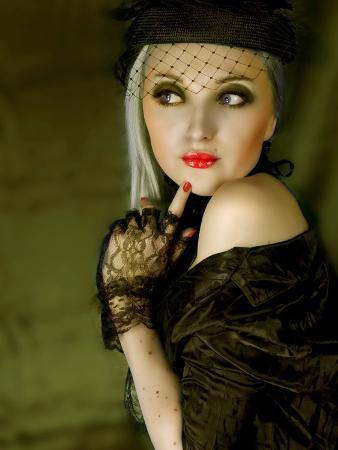lynne-davies-girl-vintage-style
