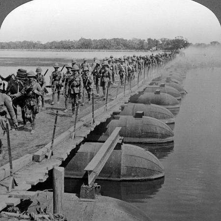 machine-gun-section-and-infantry-crossing-a-pontoon-bridge-world-war-i-1914-1918