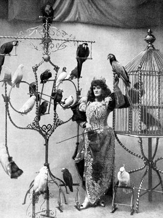 madame-marzella-with-her-pets-at-the-tivoli-1896