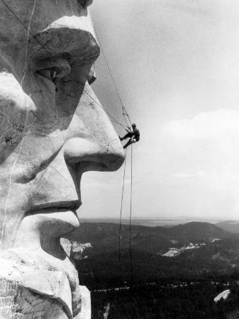 maintenance-worker-on-the-nose-of-mount-rushmore-s-abraham-lincoln-south-dakota-1960s