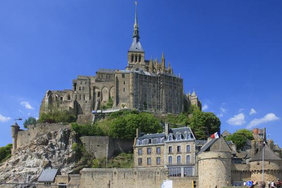 mallorie-ostrowitz-mont-saint-michel-is-an-island-commune-in-normandy-france