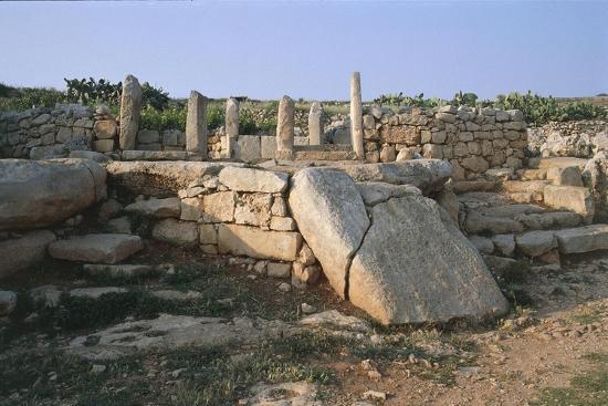 malta-mnajdra-tarxien-megalithic-temple-3000-2500-bc