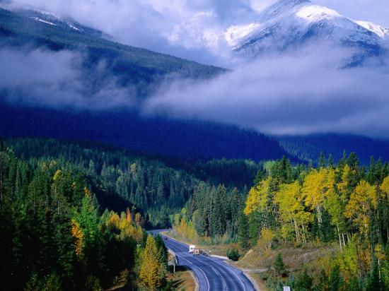 manfred-gottschalk-yellowhead-highway-mt-robson-provincial-park-rocky-mountains-canada