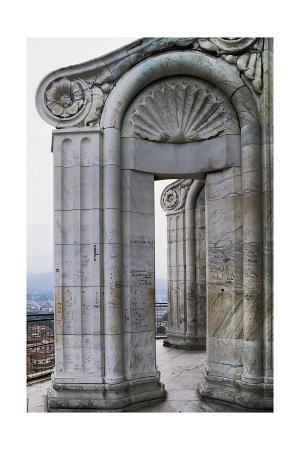 marble-columns-florence-cathedral