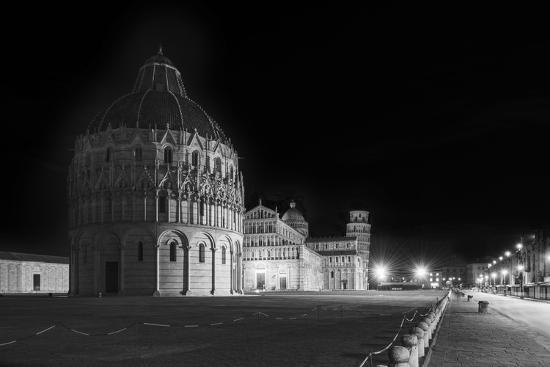 marco-carmassi-square-of-miracles