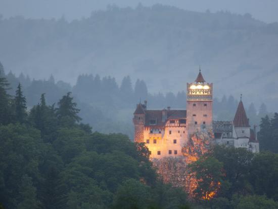 marco-cristofori-bran-castle-dracula-castle-bran-transylvania-romania-europe