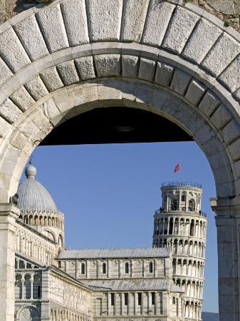 marco-cristofori-piazzetta-dei-miracoli-including-duomo-and-leaning-tower-through-porta-nuova-pisa-tuscany-italy