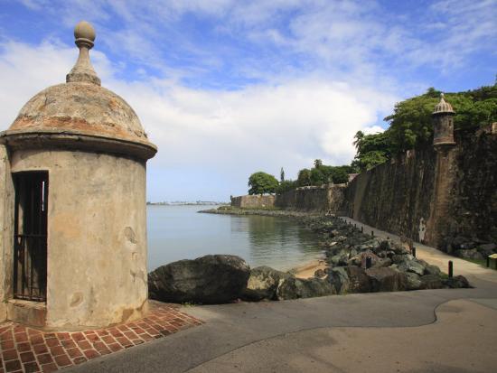 maresa-pryor-el-morro-walk-old-san-juan-puerto-rico