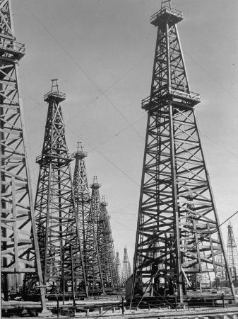 margaret-bourke-white-oil-well-rigs-in-a-texaco-oil-field