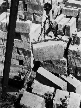 margaret-bourke-white-workers-of-rock-at-indiana-limestone-co-provide-stone-for-landmark-skyscrapers