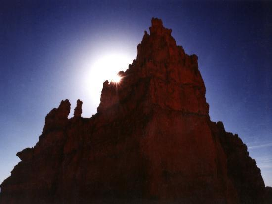 margaret-l-jackson-silhouetted-deep-red-rock-spire-bryce-canyon-national-park-utah-usa
