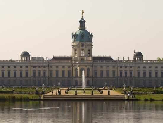 mark-daffey-charlottenburg-palace-on-river-spree-charlottenburg