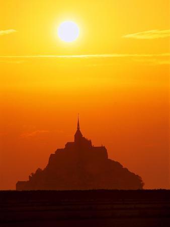 mark-karrass-mont-st-michel-at-sunset