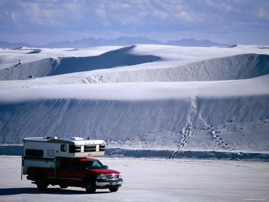 mark-newman-campervan-near-dunes-white-sands-national-monument-new-mexico