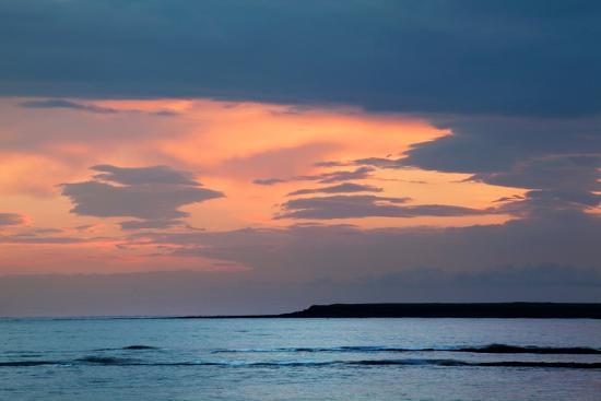 mark-sunderland-dawn-sky-over-sea