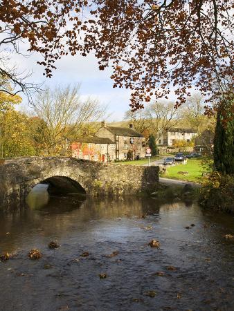 mark-sunderland-malham-village-in-autumn-yorkshire-dales-yorkshire-england-united-kingdom-europe