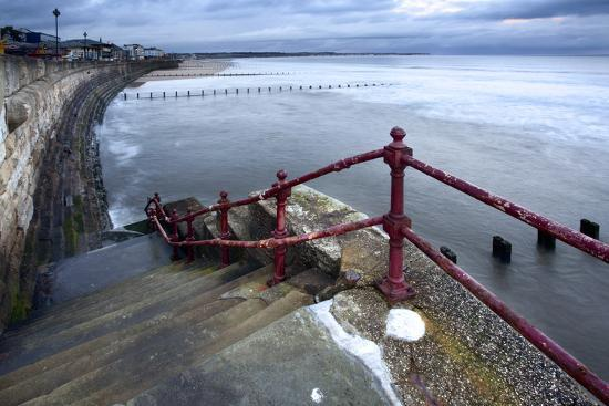mark-sunderland-sea-steps-and-incoming-tide-at-north-sands-bridlington-east-riding-of-yorkshire-england-uk