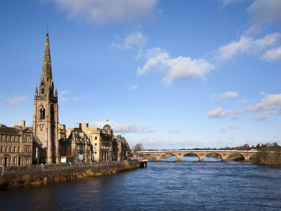 mark-sunderland-st-matthews-church-and-the-river-tay-perth-perth-and-kinross-scotland