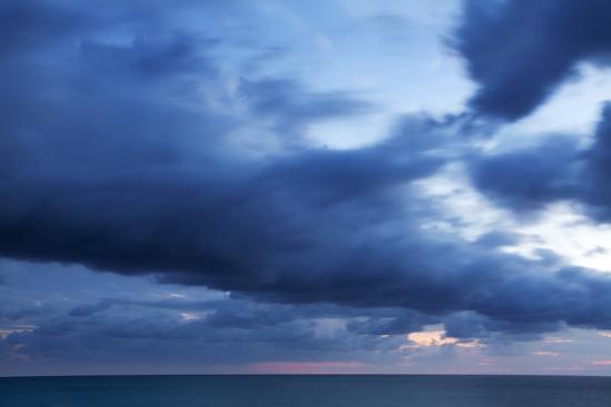 mark-sunderland-twilight-seascape-from-riomaggiore-cinque-terre-liguria-italy-mediterranean-europe