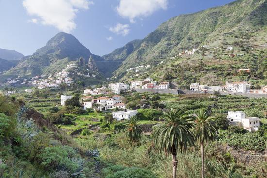 markus-lange-hermigua-roques-de-san-pedro-rock-terraecd-fields-la-gomera-canary-islands-spain-europe