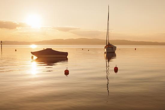 markus-lange-sailing-boat-at-sunset-lake-constance-near-konstanz-baden-wurttemberg-germany-europe