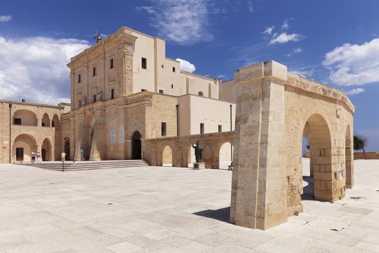 markus-lange-san-maria-de-finibus-terrae-pilgrimage-church-santa-maria-di-leuca-lecce-province