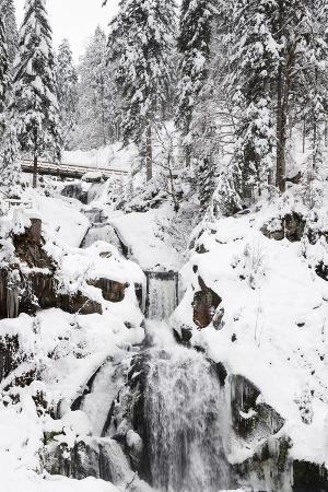 markus-lange-triberg-waterfalls-in-winter-triberg-black-forest-baden-wurttemberg-germany-europe