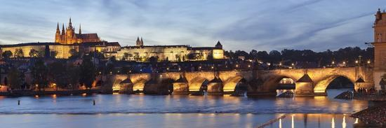 markus-lange-view-over-the-river-vltava-to-charles-bridge-and-the-castle-district