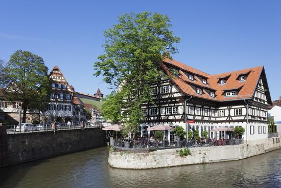 markus-lange-view-over-wehrneckarkanal-chanel-to-schwoerhaus-house-and-castle