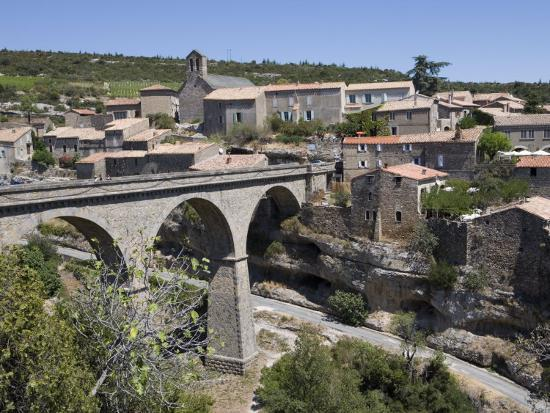 martin-child-bridge-over-gorge-minerve-herault-languedoc-roussillon-france-europe