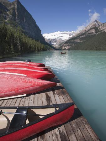 martin-child-canoes-for-hire-on-lake-louise-banff-national-park-unesco-world-heritage-site-alberta-rocky-mou