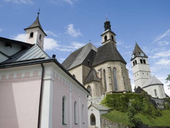 martin-child-church-kitzbuhel-austria-europe