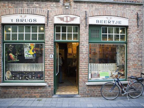 martin-child-t-brugs-beertje-bar-bruges-belgium-europe