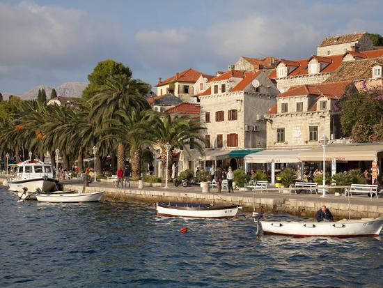 martin-child-traditional-fishing-boats-and-waterfront-cavtat-dalmatia-croatia-europe