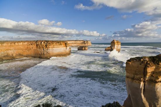 martin-zwick-cliffs-loch-ard-gorge-view-towards-the-12-apostles-great-ocean-road-australia