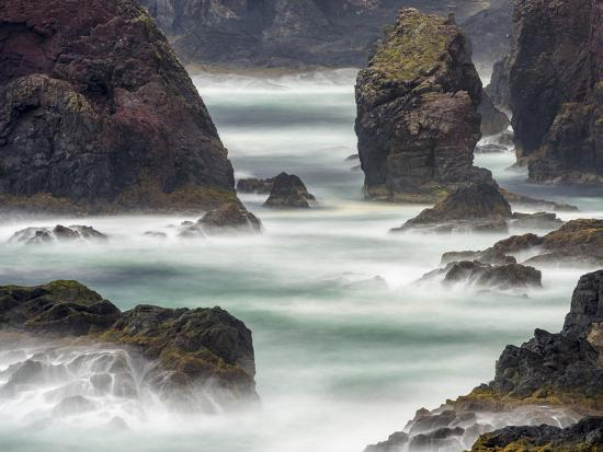 martin-zwick-famous-cliffs-and-sea-stacks-of-esha-ness-shetland-islands