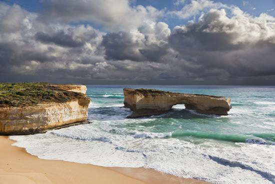 martin-zwick-london-arch-great-ocean-road-during-storm-and-evening-light-australia