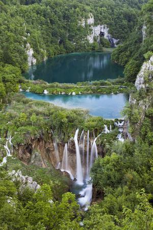 martin-zwick-plitvice-lakes-in-the-national-park-plitvicka-jezera-croatia