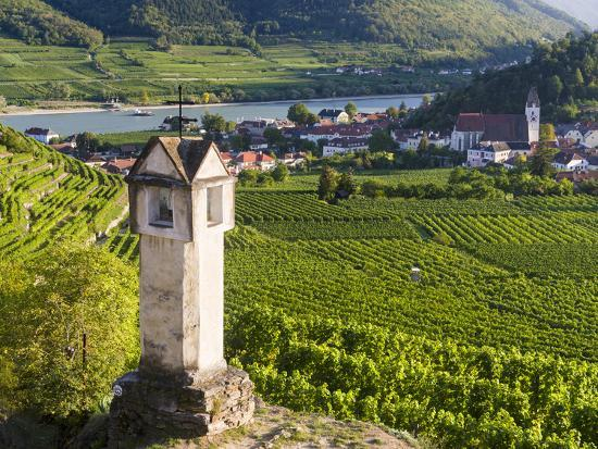 martin-zwick-wayside-shrine-near-old-town-gate-rote-tor-in-the-village-spitz-in-the-vineyards-of-the-wachau